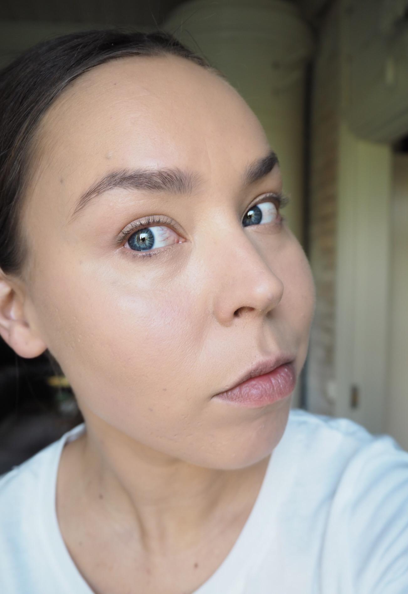 luonnollinen meikkipohja