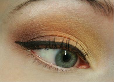 YSLAfrica_eye