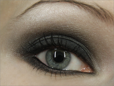 Ideoita Vanhojen Tanssit -meikkiin: klassinen smokey eye