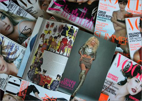 Meikkikuvia 90-luvun Vogue-lehdistä