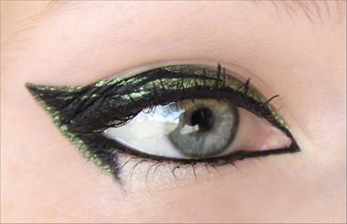 Black & Green Eyeliner -meikki