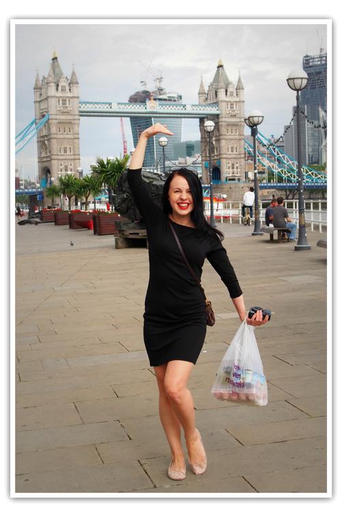 Iloiset tytöt Lontoossa