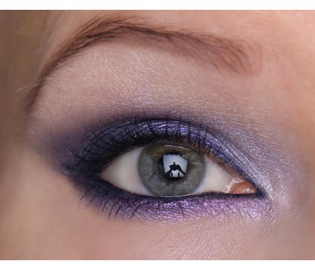 Ideoita Vanhojen Tanssit -meikkiin: sinivioletti smokey