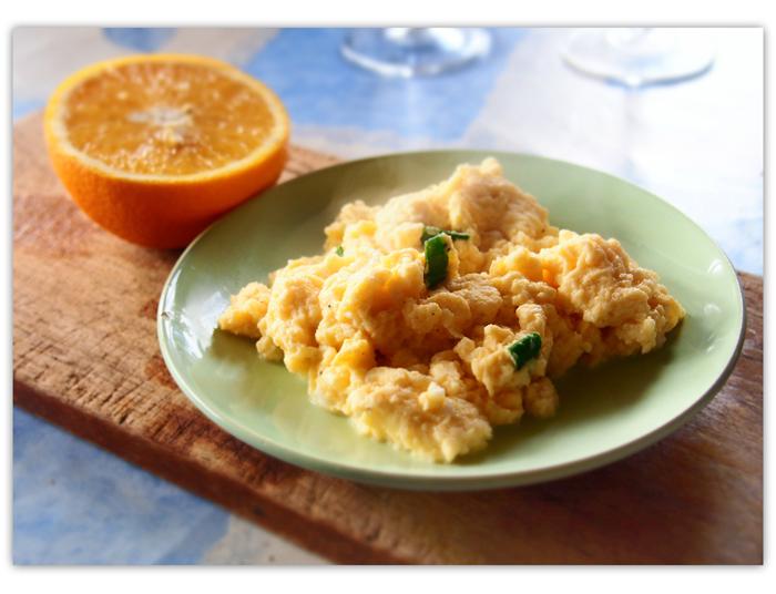Mitä aamiaiseksi? Kokeile appelsiinimunakokkelia!