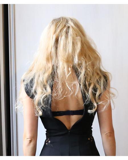 Hiukset_takaa