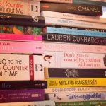Välikevennys: Kirjahylly vastaa