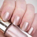 Tämänhetkinen suosikkilakka - L'Oréal Color Riche 106 Versailles Gold
