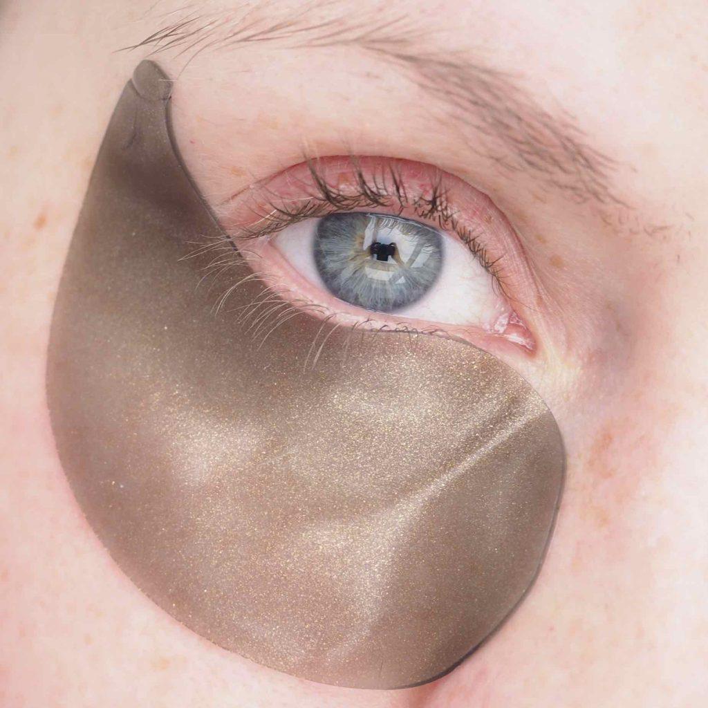 Petitfée Black Pearl & Gold Hydrogel Eye Patch
