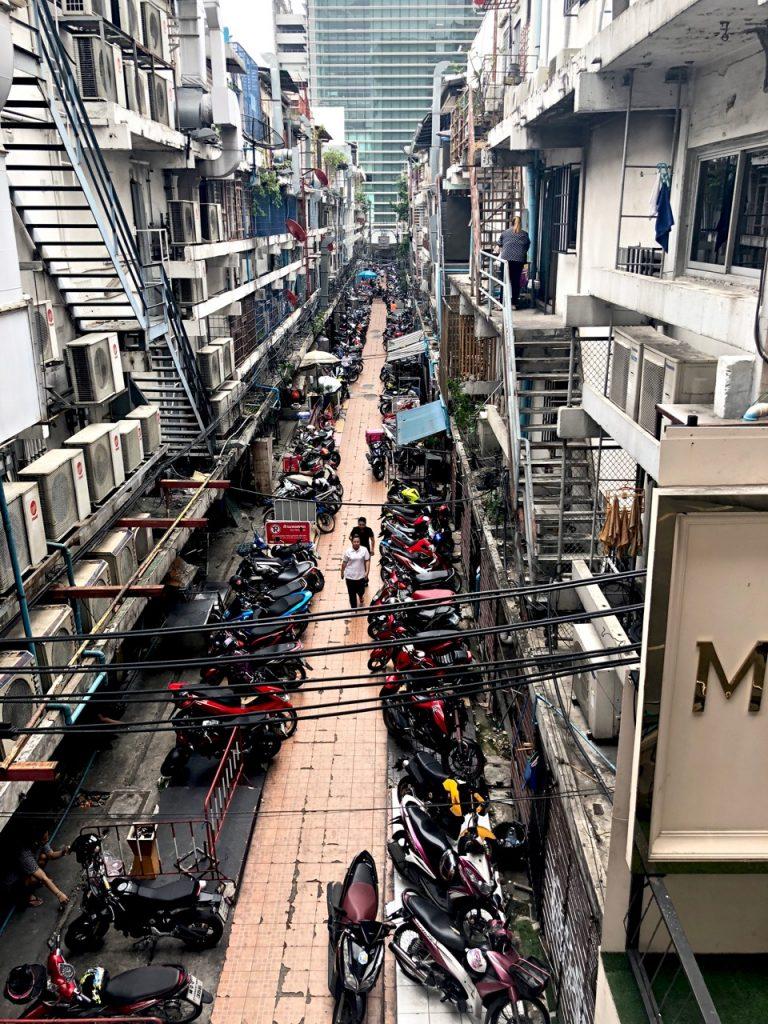 Ostolakossa Virve Vee asuminen Thaimaassa Bangkok - 1 (5)