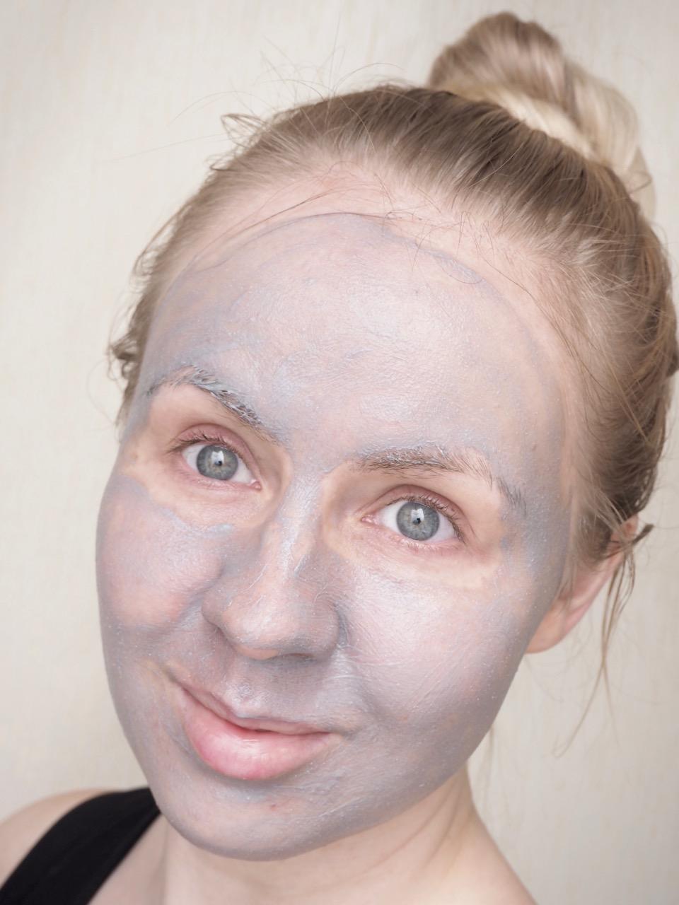 Lumene Kirkas Glow Reveal 60 seconds Facial kuoriva naamio kokemuksia ostolakossa