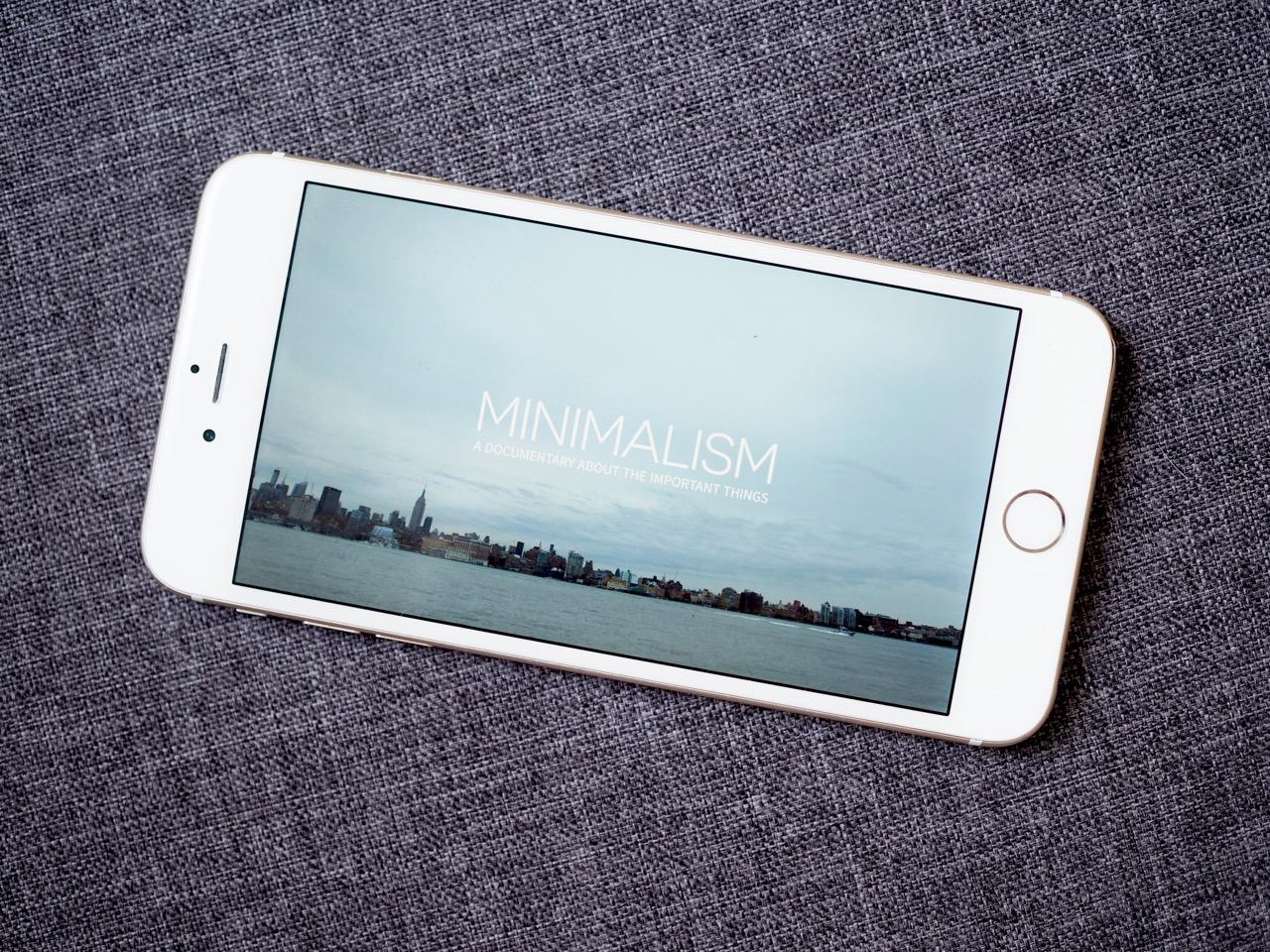 Ostolakossa minimalismi tavarat