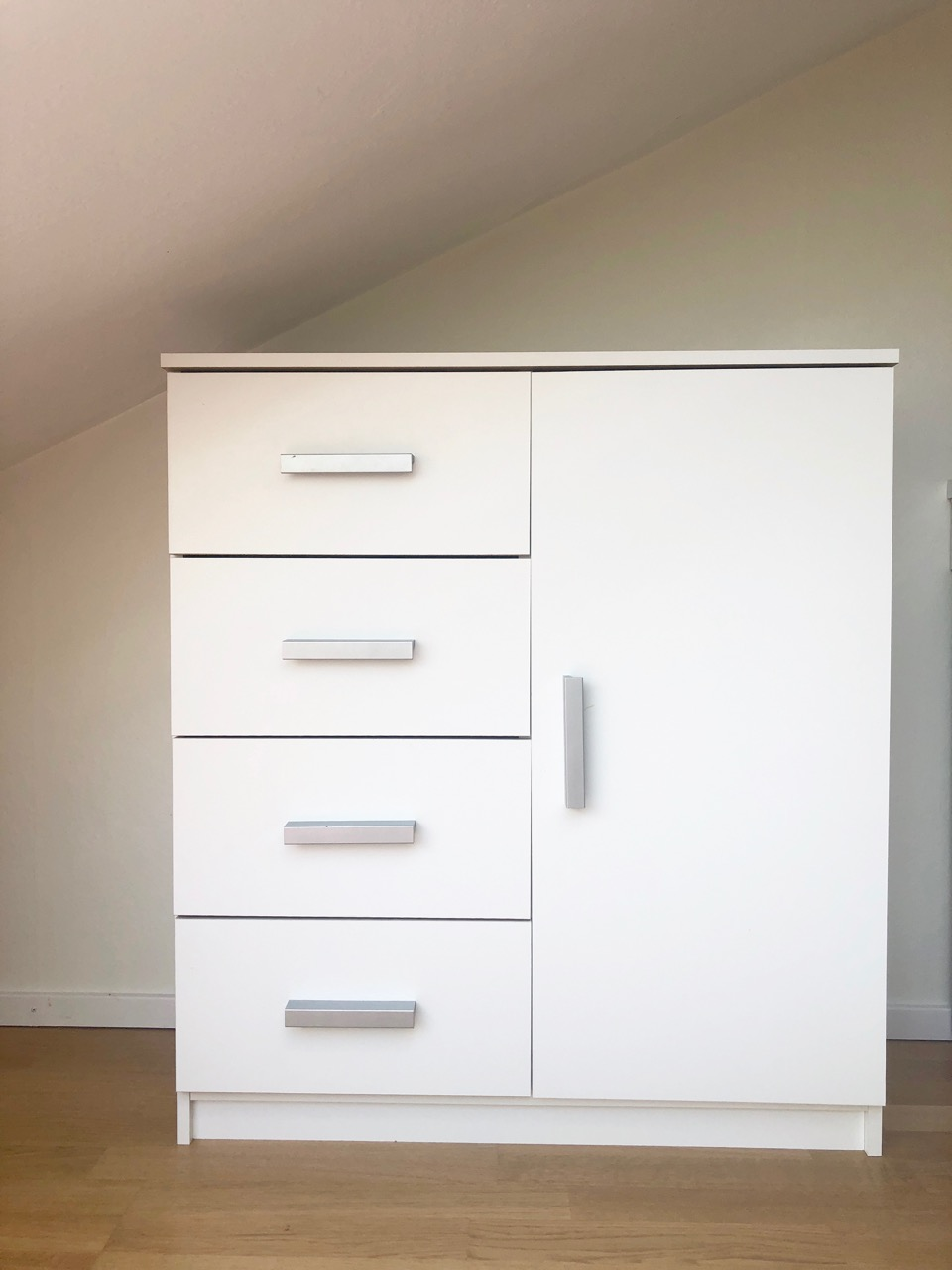 https://a-lehdet-blogs.s3.amazonaws.com/uploads/sites/69/2018/08/ostolakossa-minimalismi