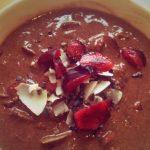 Kirsikka-suklaa-kookosproteiiniherkku