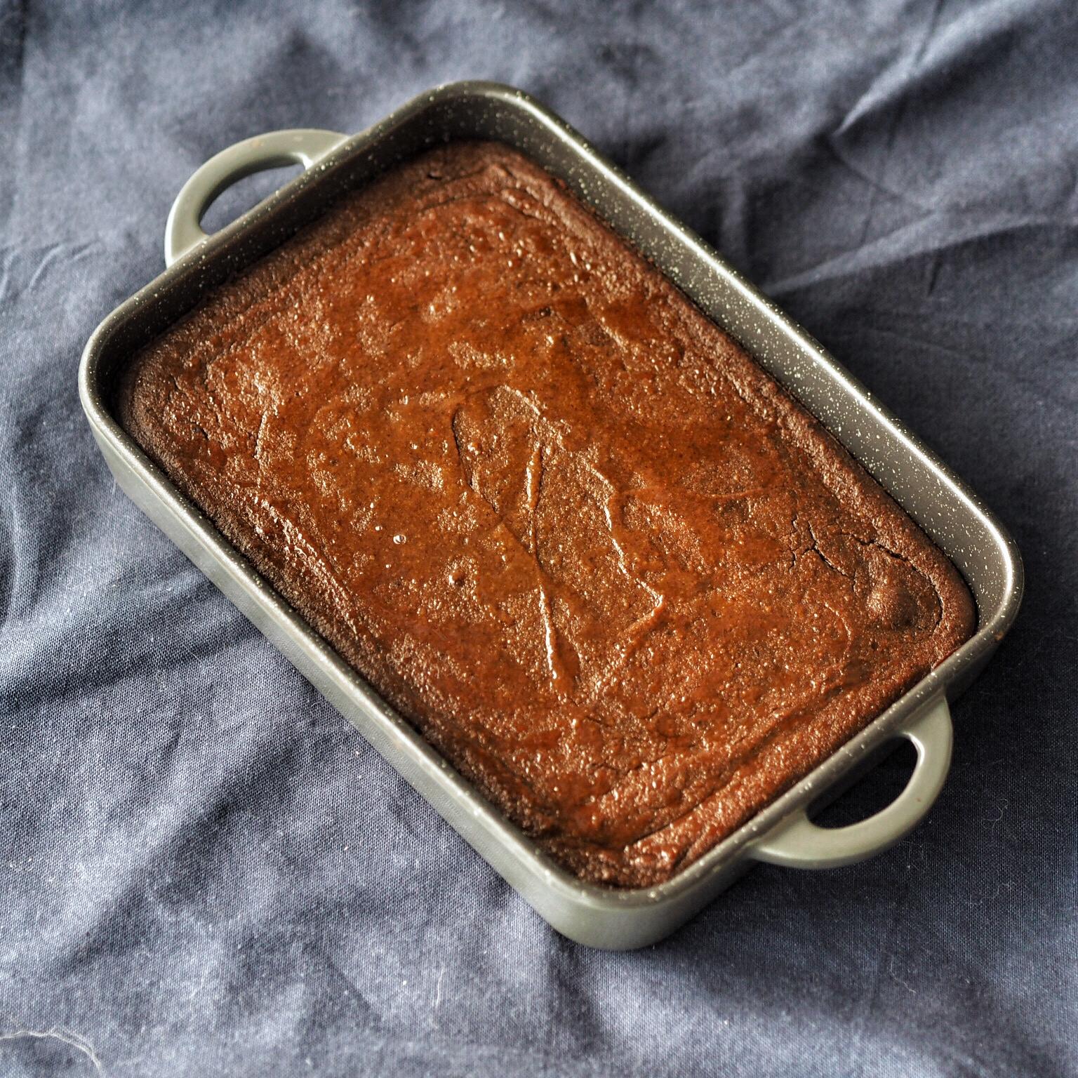 Reseptillä syntyvä gluteeniton mämmi on paiston jälkeen melko tiivistä ja jopa leipämäistä, mutta veden kanssa sekotettaessa siitä tulee täydellistä.