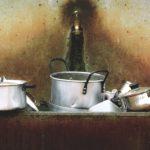 Sukupuoliroolit ja kotityöt parisuhteessa - onko naisen paikka keittiössä?