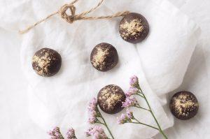 suussa sulavat suklaapallerot