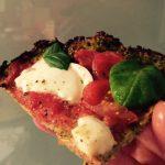Synnitön pizzapohja parsakaalista (gluteeniton)