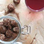 Piparinmakuiset pähkinäpallot (raaka, gluteeniton, vegaani)