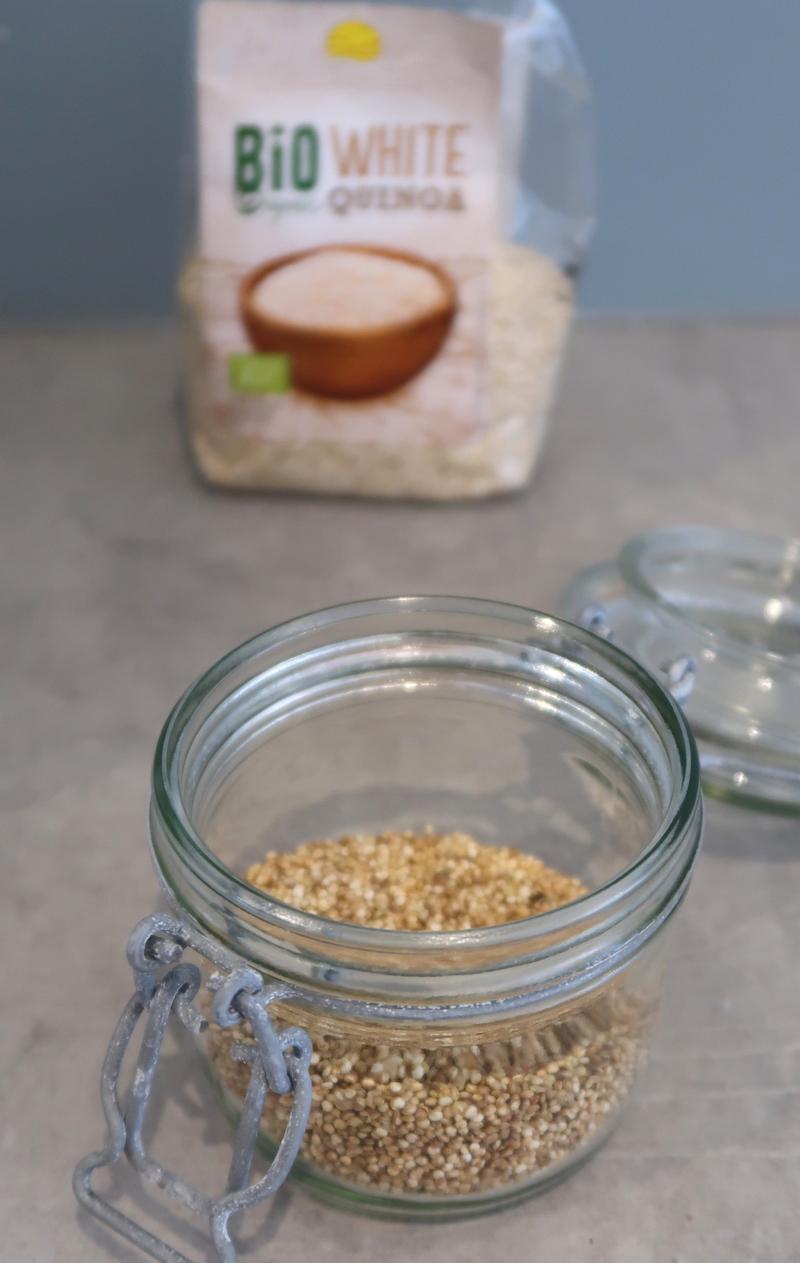 Omena-kvinoahyve paahdetusta kvinoasta