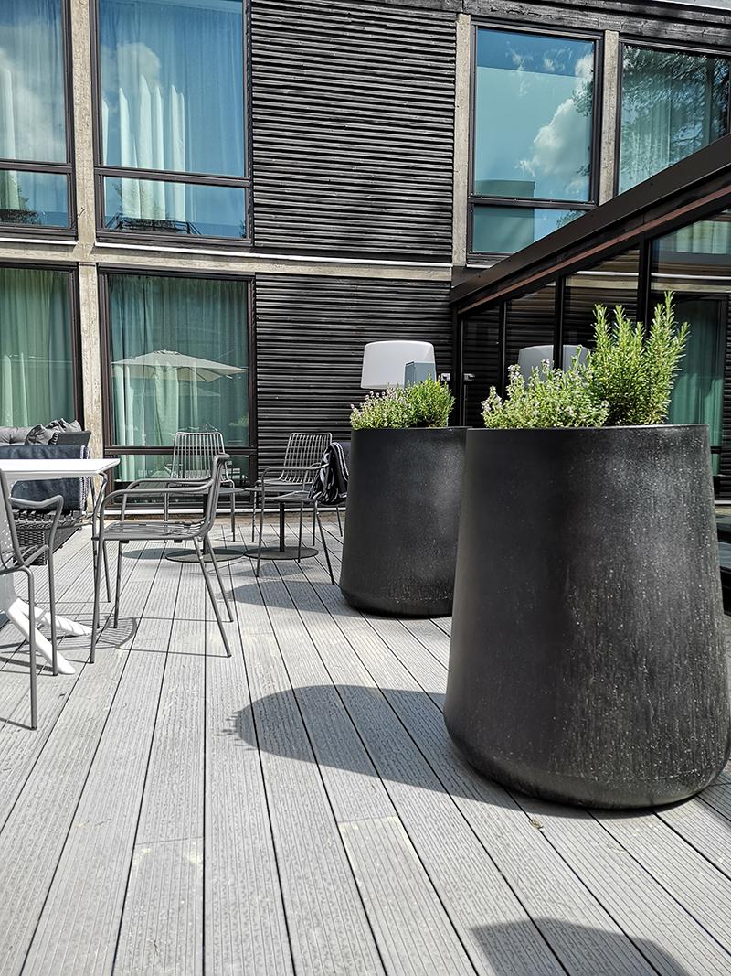 hotel sveitsi hyvinkaa ravintola piha tila kokemuksia