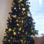 Saako muovikuusella aitoa joulun tunnetta?