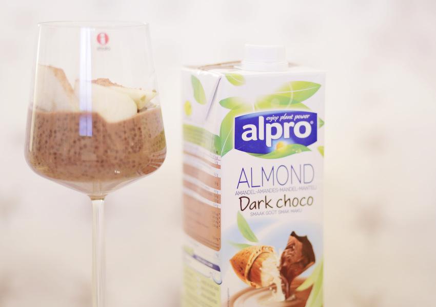 ALMOND - Dark choco